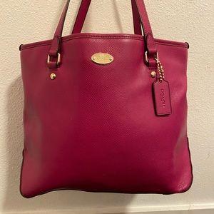 ⭐️ Authentic Coach Handbag!